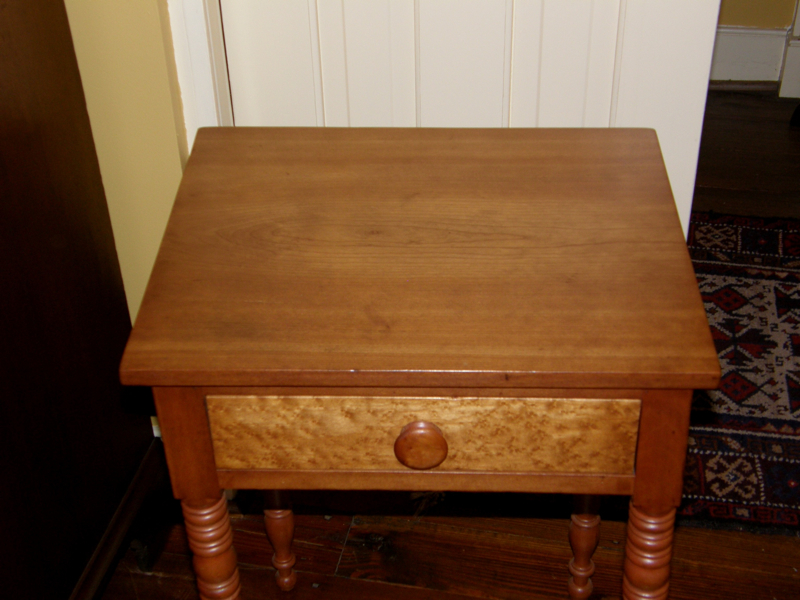 Cherry End Table With Turned Legs Gates Antiques Ltd