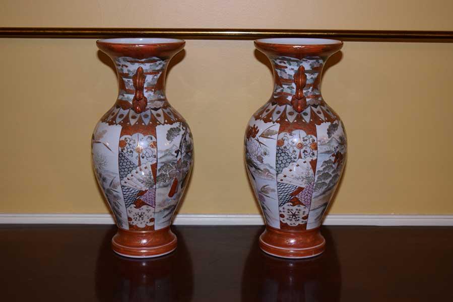 Pair Of Kutani Vases Gates Antiques Ltd Richmond Va