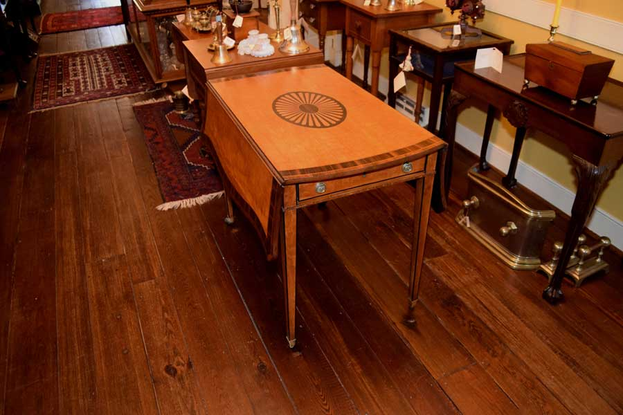Rosewood Banded Pembroke Table